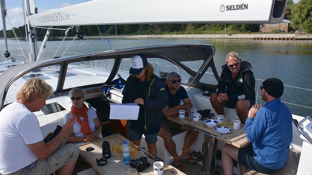 Frukost på båt