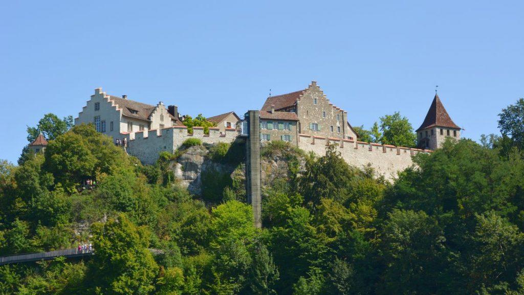 Borg Rhenfallen i Schweiz