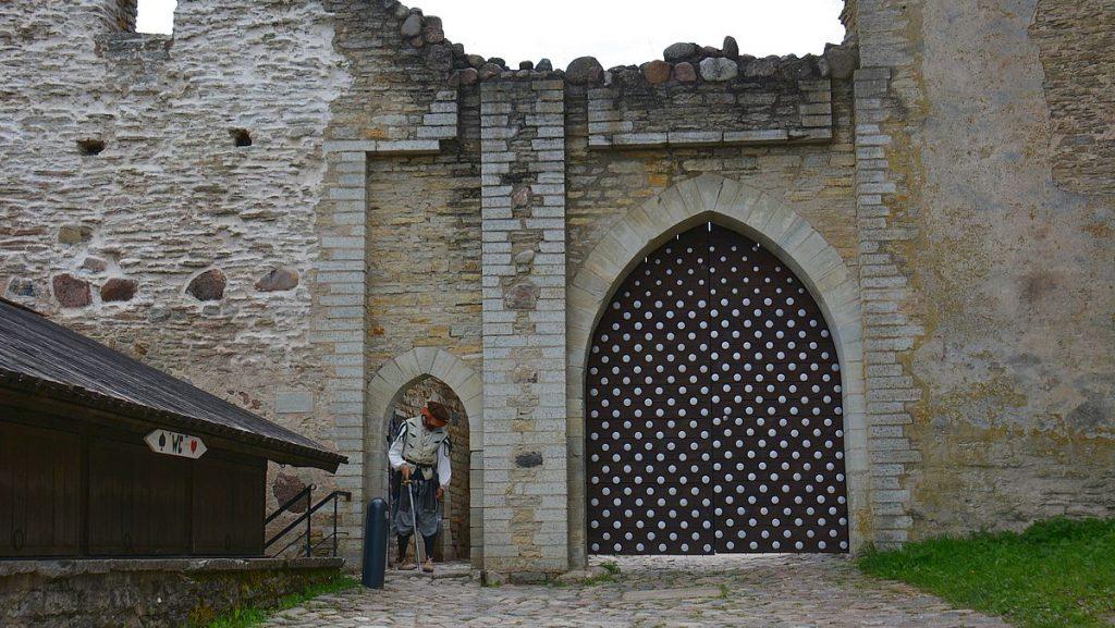 Ingång till Rakvere fästning i Estland