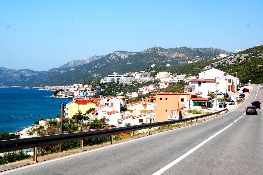 Kustvägen i Bosnien, vid staden Neum