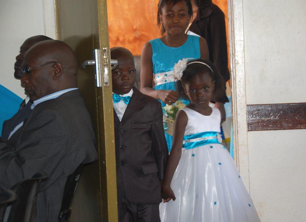 Brudnäbbar på kenyanskt bröllop