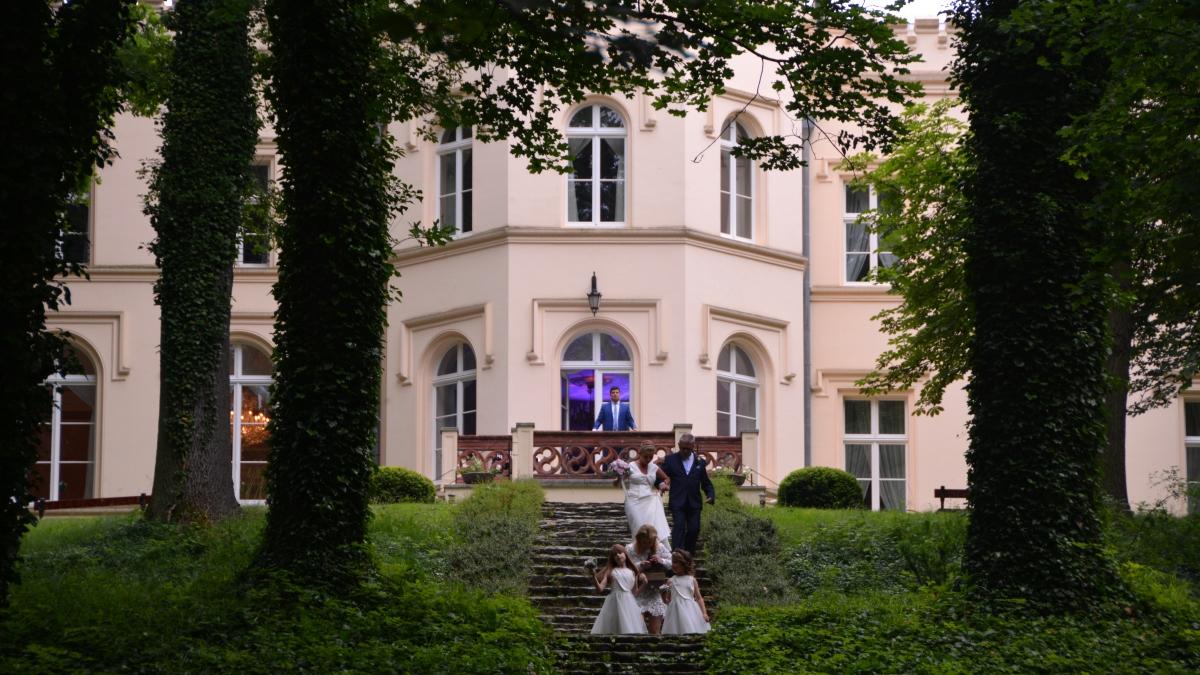 Bröllop Polen. Mierzecin - slott i polen med magisk natur