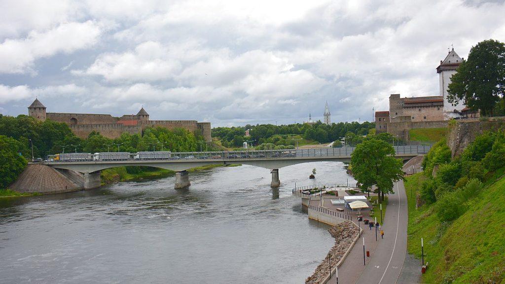 Bro till Ryssland i Narva