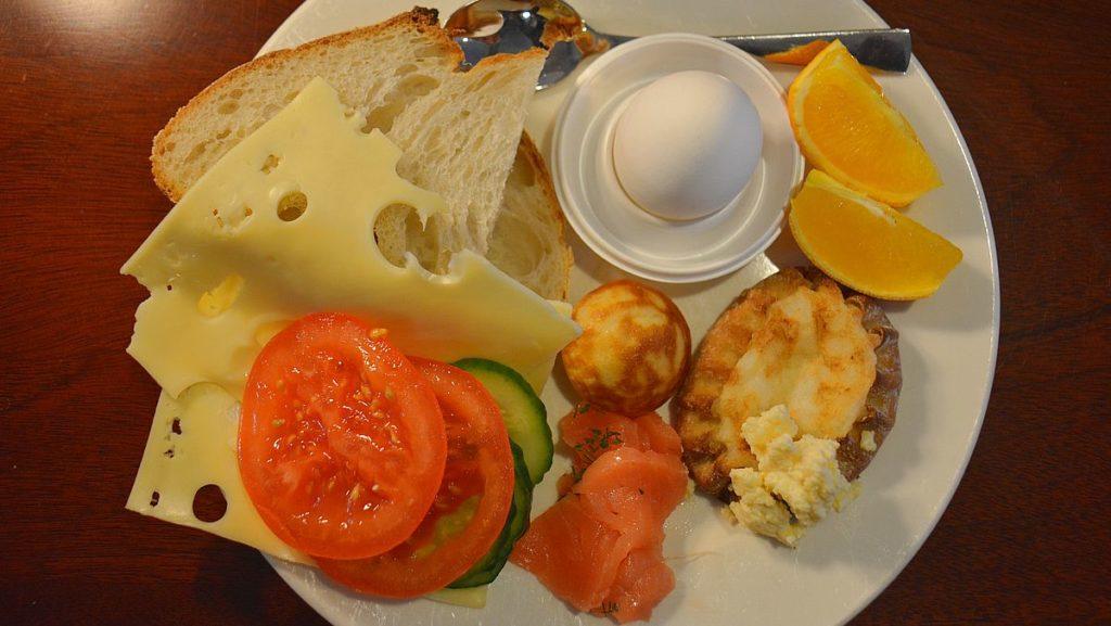 Frukost på kryssning Stockholm - Tallinn