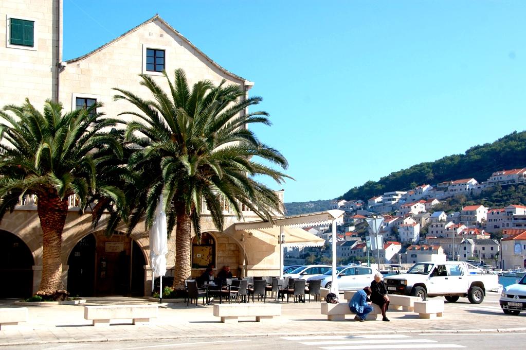 Sevärdheter på Brac i Kroatien. Pucisca är en mysig liten by