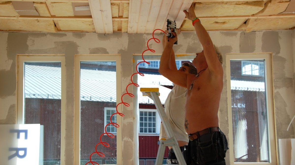 Bygga innertak med infällda lampor