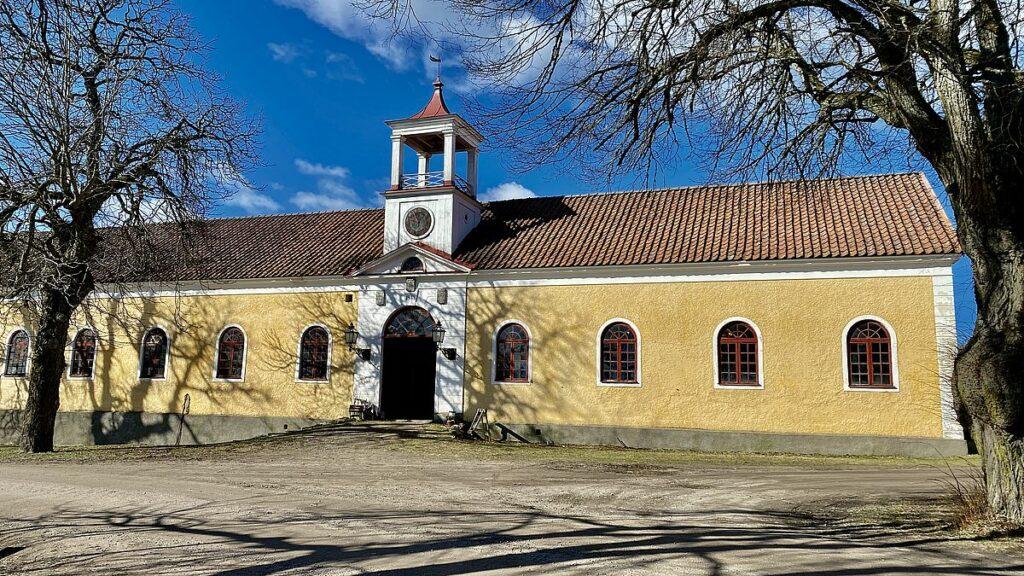 Byggnad vid Stora Sundby slott