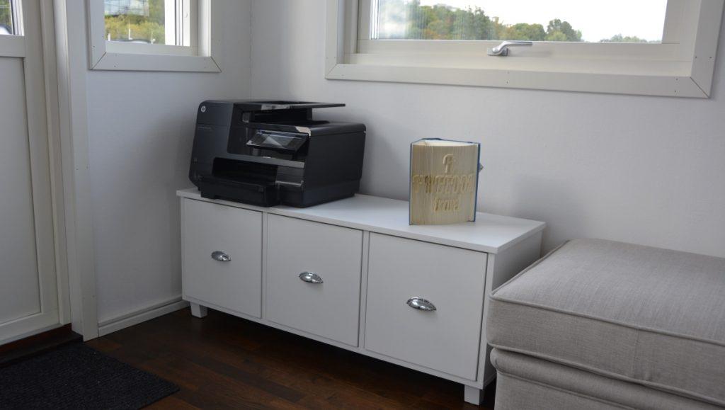 Nya möbler i husbåten