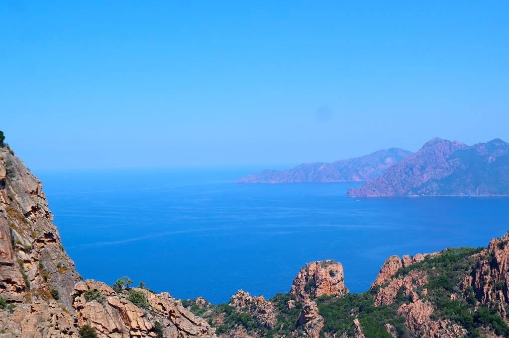 Utsikten mot havet är magnifik