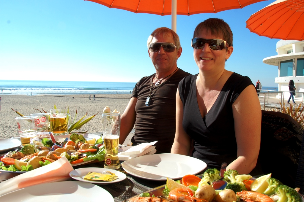 Peter och Helena vid kusten utanför Lissabon, Portugal