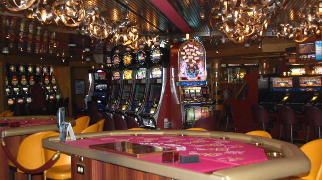 Casinot på Eurodam – kanske ska vi bara ta och inreda vår husbåt lite mer såhär?