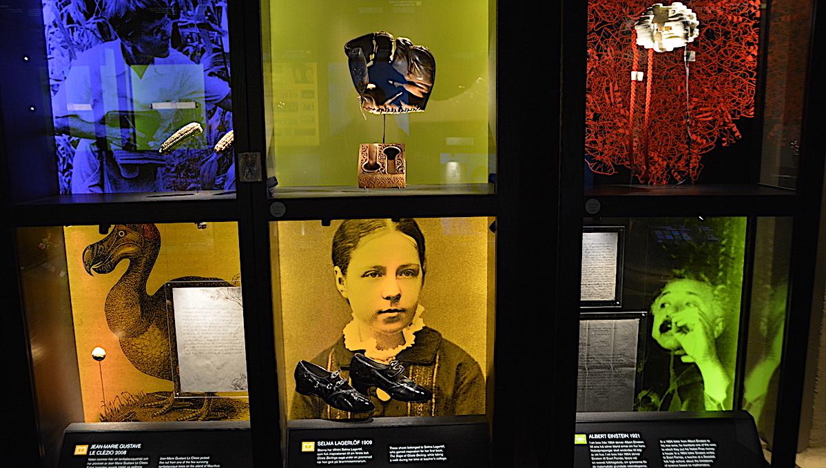 Tidigare Nobelpristagare och föremål som de skänkt till Nobelmuseet i Stockholm
