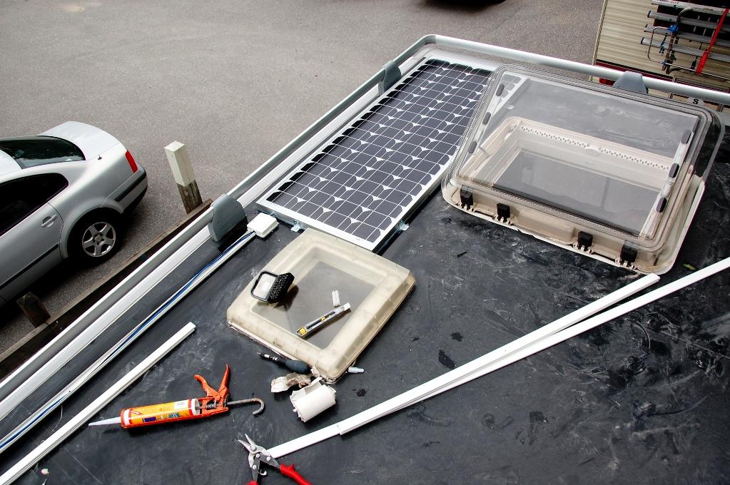 Montering av solpanel på husbilstaket