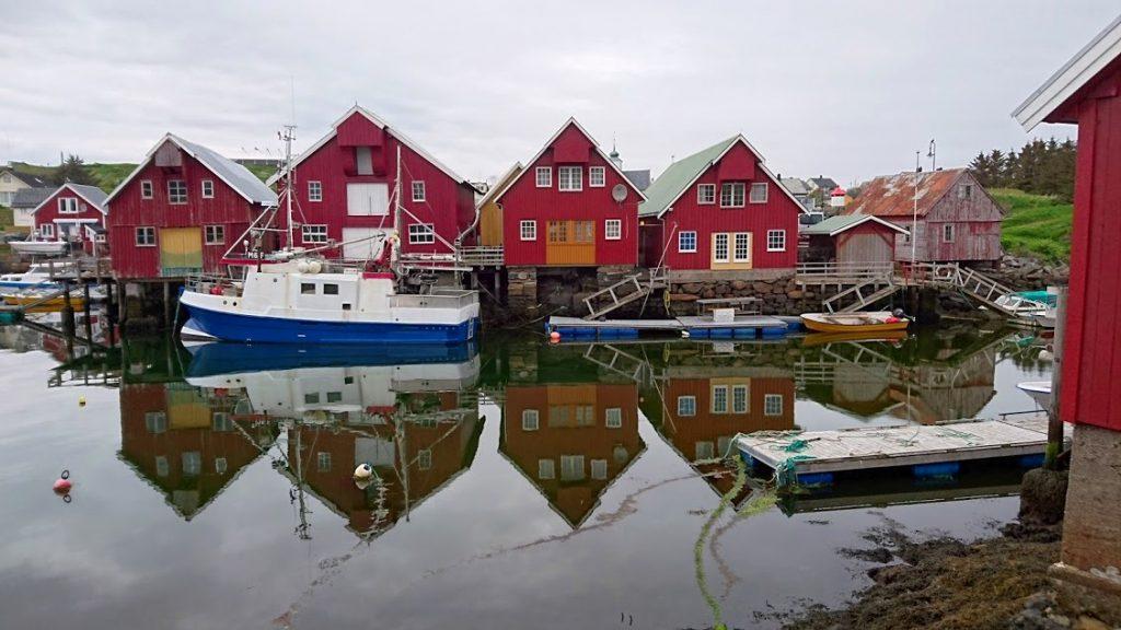 Fiskebyn Bud utanför Molde i Norge