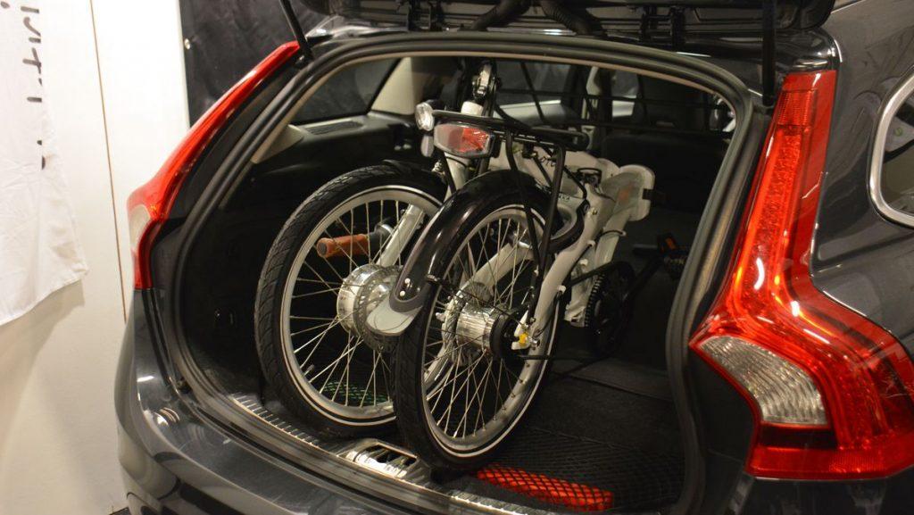 elcykel i garage