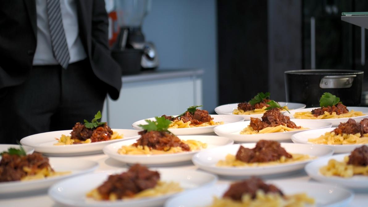 Mat från Dubrovnik: Långkokt nötkött med smak av kryddnejlika och kanel tillsammans med pasta