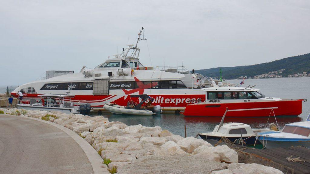 Båt från flygplatsen i Split
