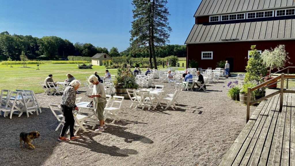 Att besöka Tjolöholms slott - café