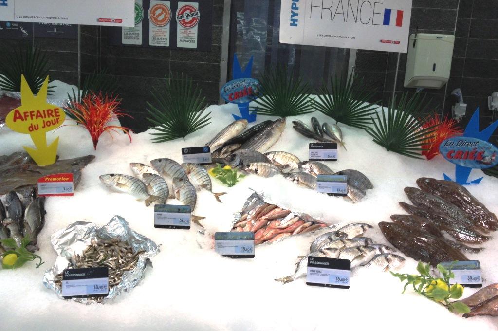 Fina fiskdiskar finns nästan överallt - sämst utbud på färsk fisk har det lustigt nog varit på Korsika och Sardinien