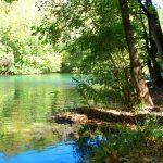 Med båt på floden Cetina