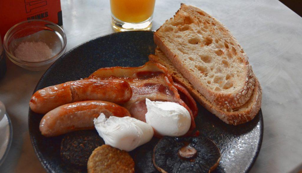 Frukost på Bullitt hotell i Belfast