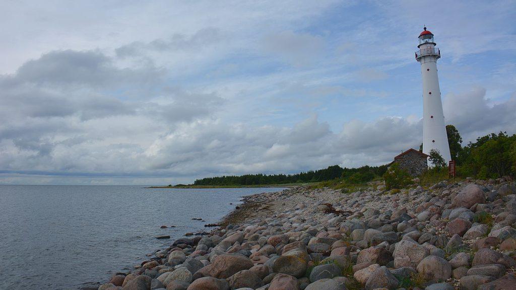 Kihnu tuletorn på Kynö i Estland