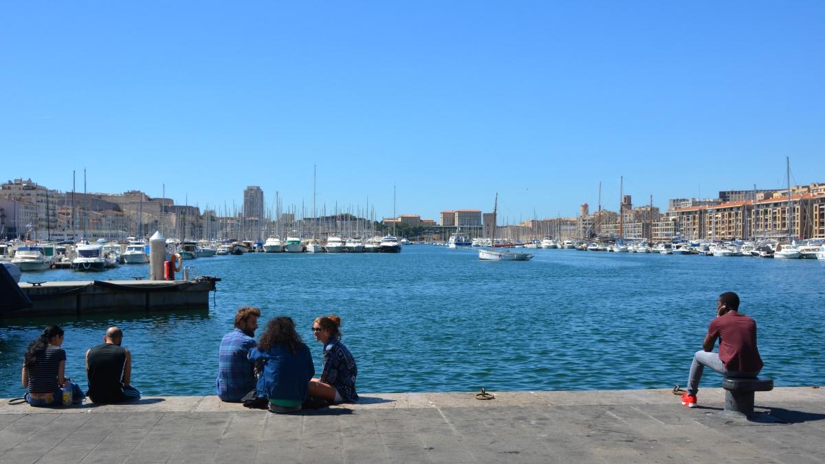 Häng i gamla hamnen i Marseilles