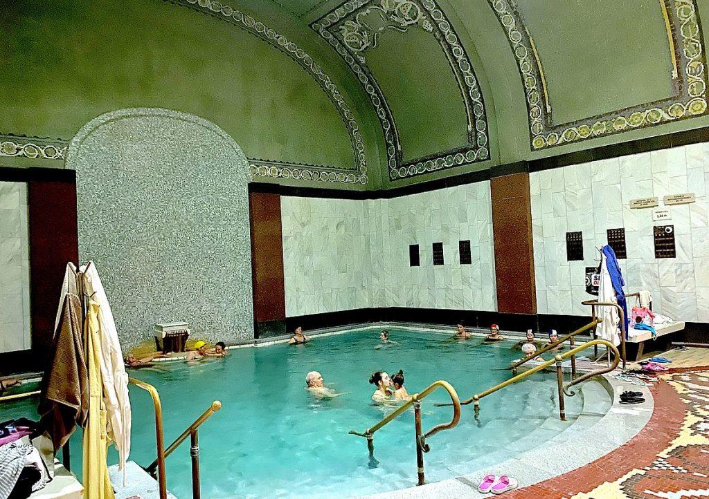 Gellertbadet - bad i Budapest