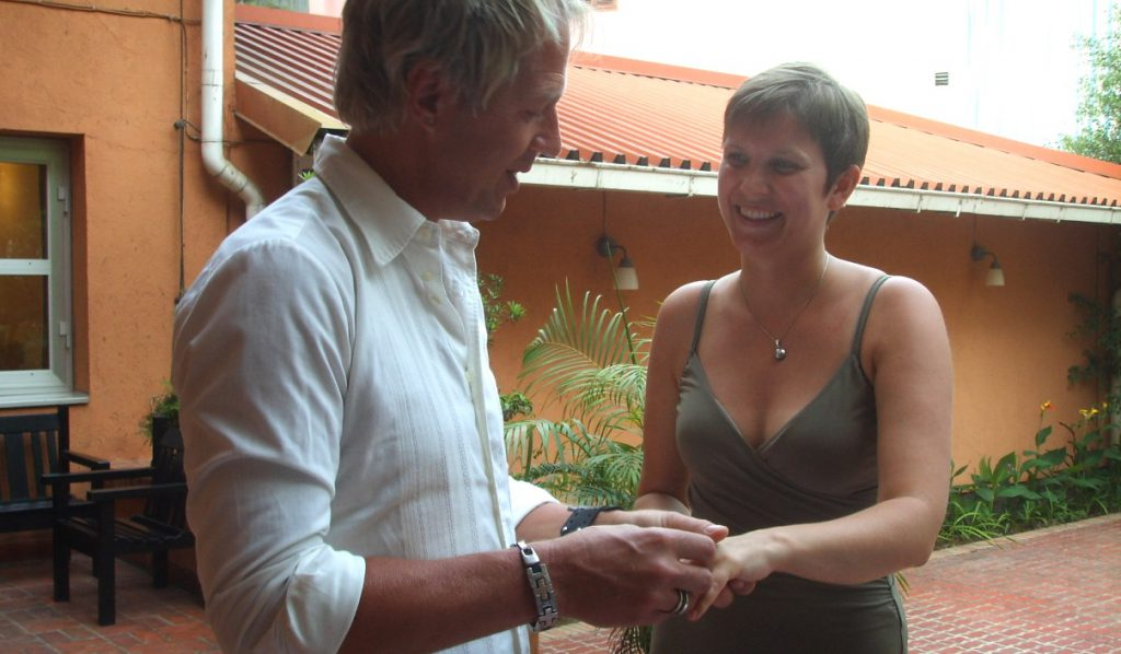 Gifta sig utomlands - vigsel i Hanoi