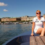 På tur med picknickbåt i Stockholm