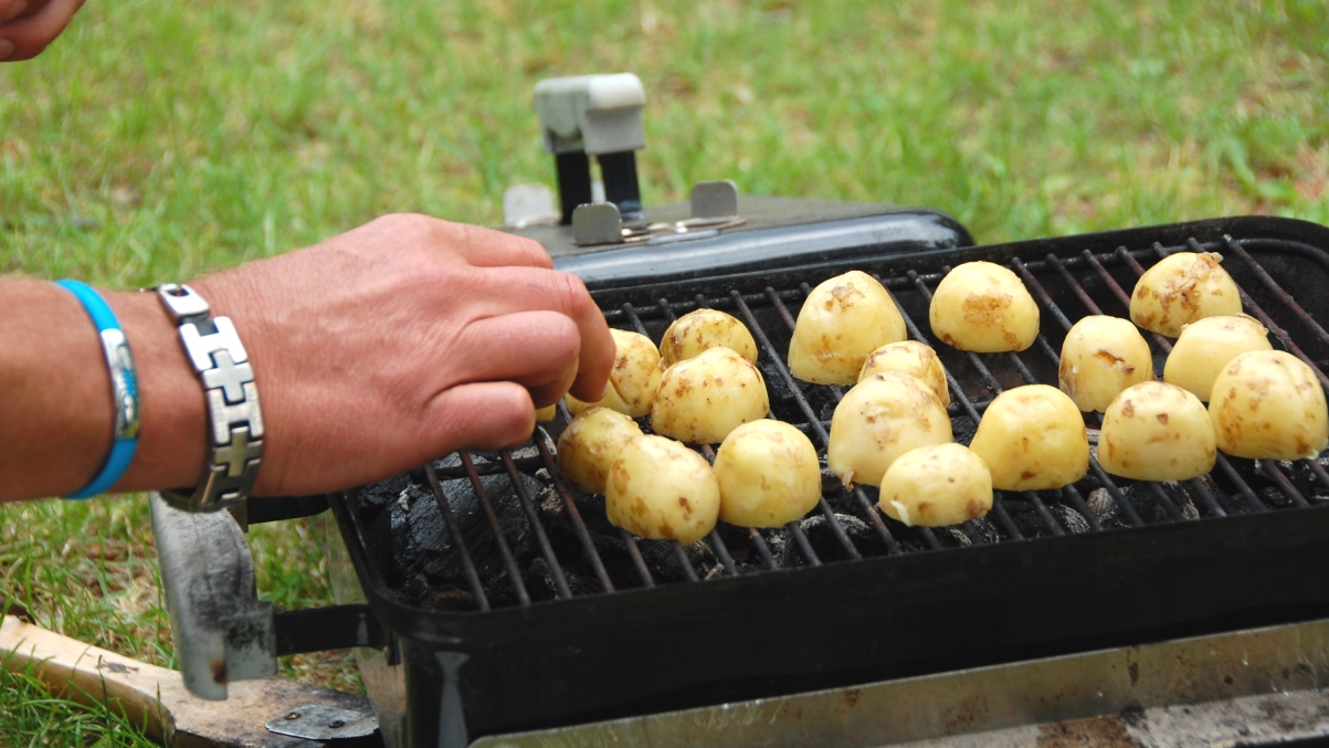 Grilla potatis
