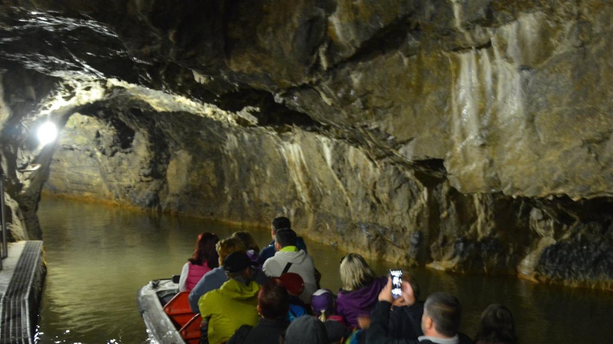 Grotta båttur
