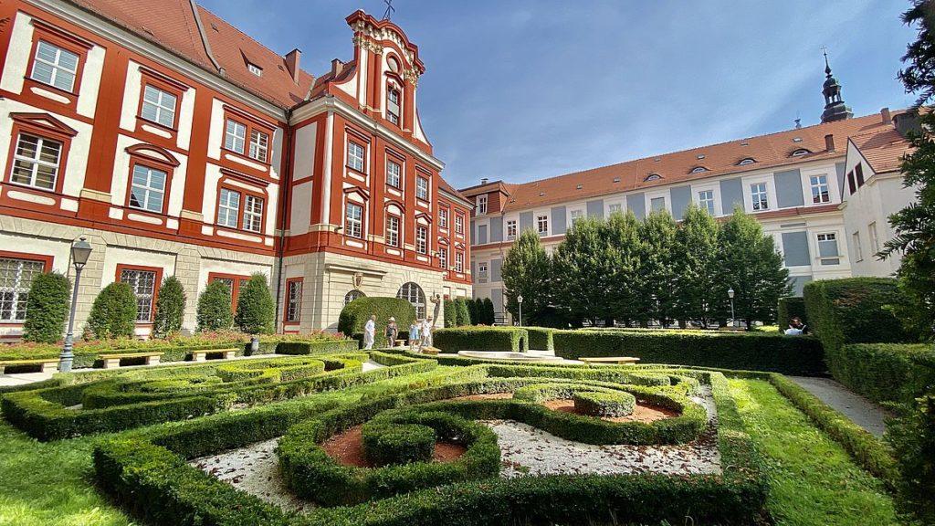 Ogród Ossolineum i Wroclaw
