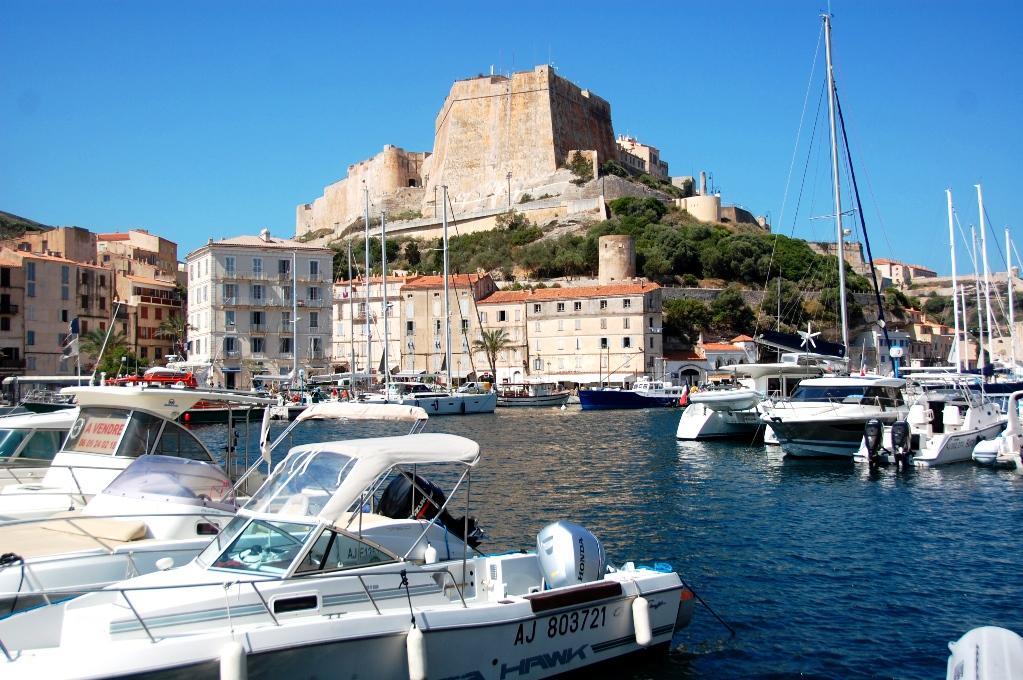 Hamnen, med citadellet i bakgrunden