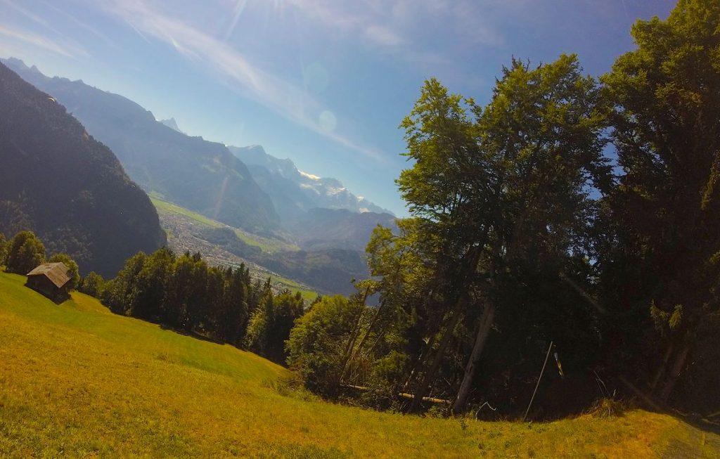 Hängflygning i Interlaken i Schweiz