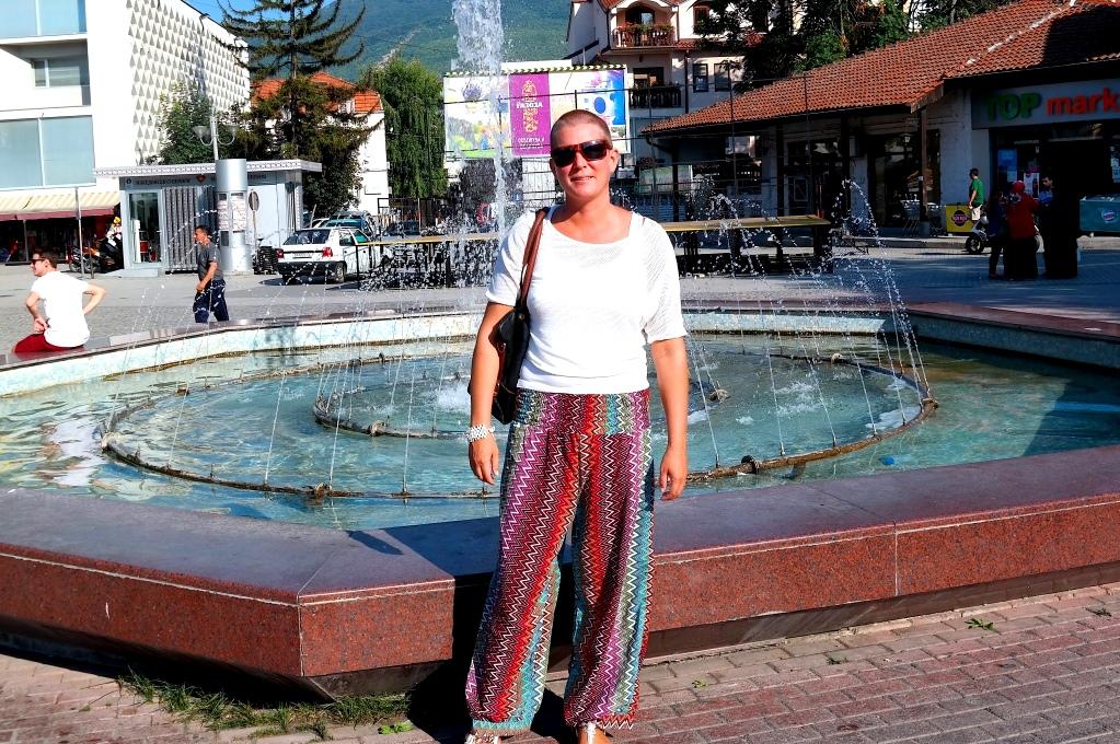Jag i Ohrid - med byxor från Italien och en top från Makedonien