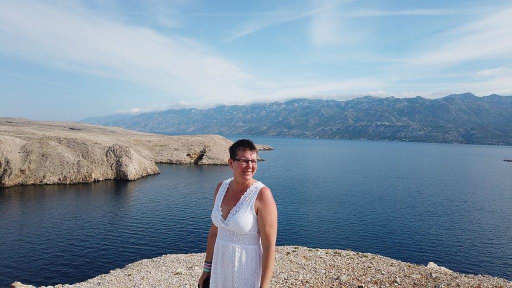 Helena på ön Pag i Kroatien