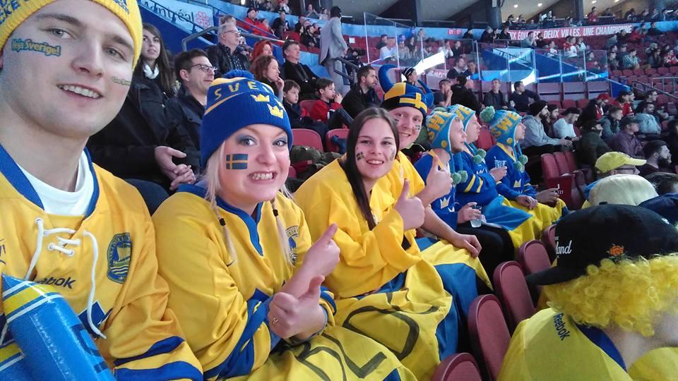 Svensk hejarklack på hockeymatch i Kanada
