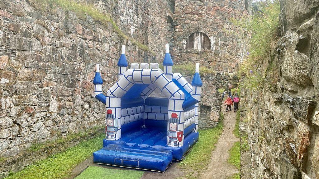 Hoppborg vid Bohus fästning