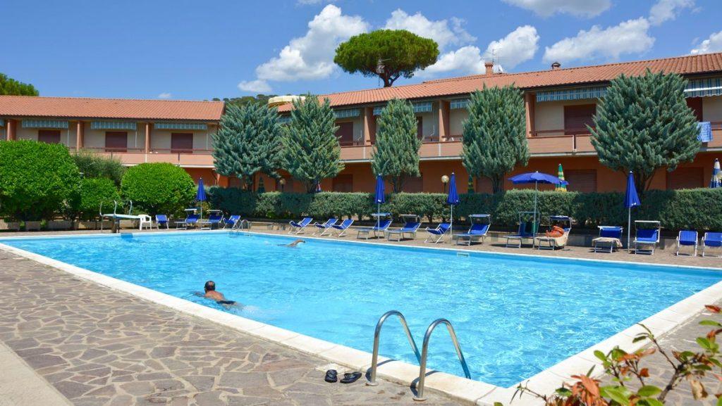 Hotell Il Gabbiano pool