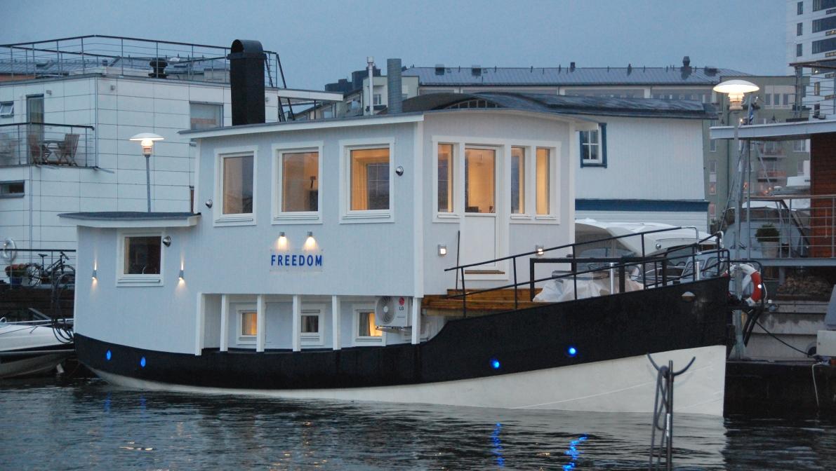 Husbåten