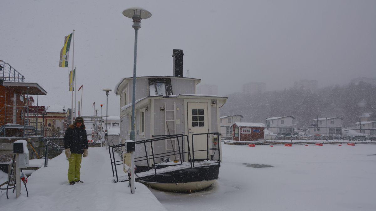 Bo i båt på vintern