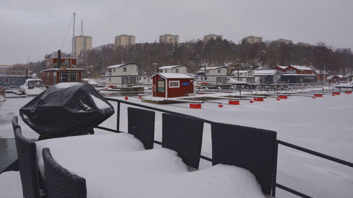 Husbåt vinter