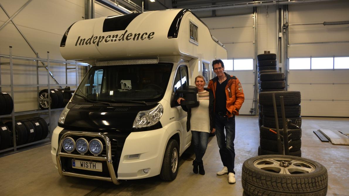 Våra vänner Catta och Thore med husbilen Independence