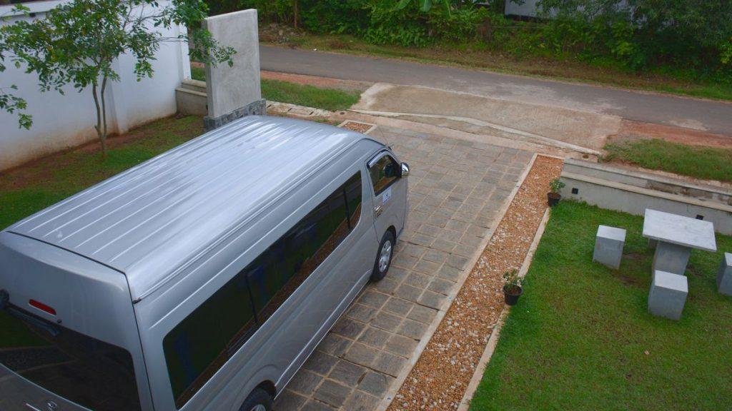 Hyra bil i Sri Lanka
