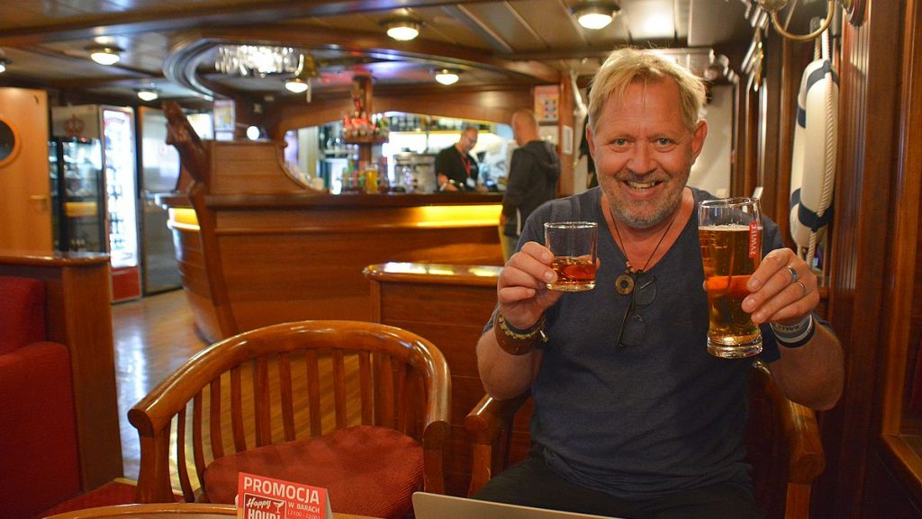 Peter i baren på färjan Polferries Ystad-Swinoujscie