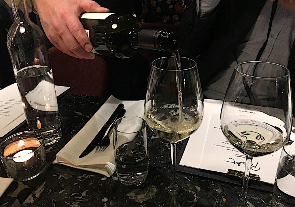 Vin på restaurang Palett