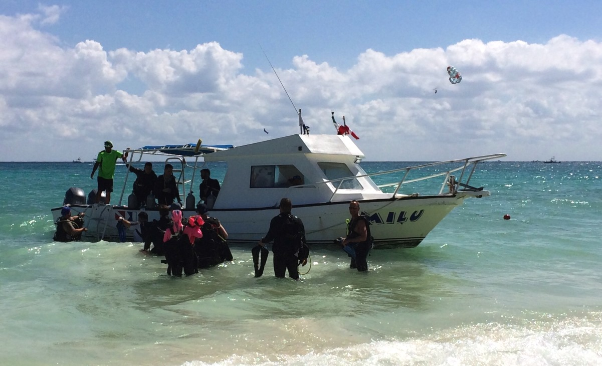 Dykbåt vid Playa del Carmen