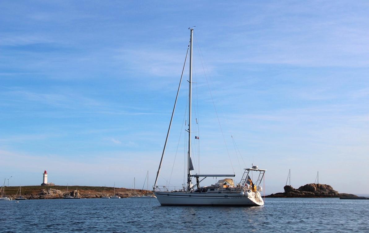 Segelbåten S/Y Looma IV som ska ta Mads och Lotta jorden runt