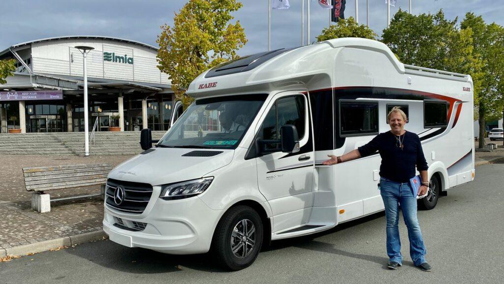 Husvagn & Husbilsmässa 2021 - provkörning av Mercedeschassi